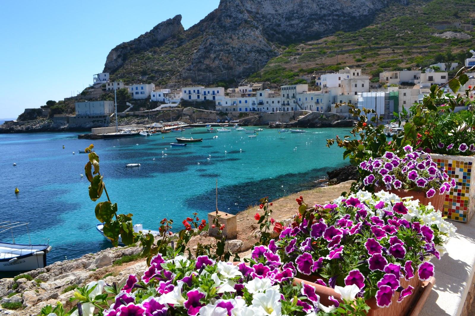 Croisière en voilier à travers les îles Eoliennes de Sicile
