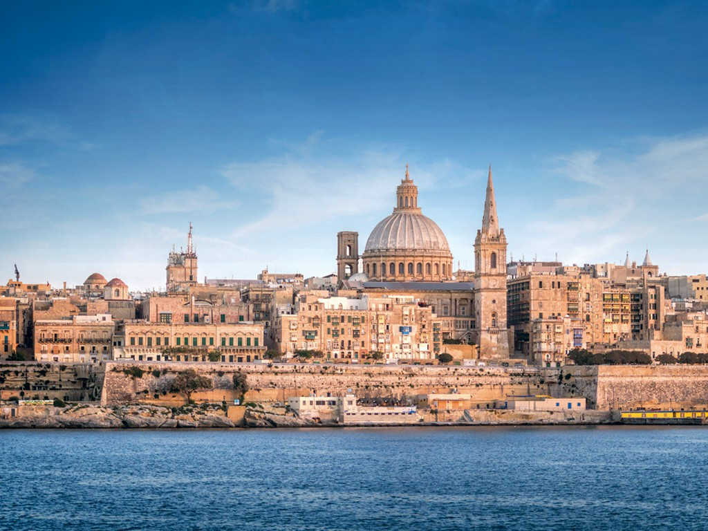 Explorez l'île de Malte à bord d'un bateau de croisière