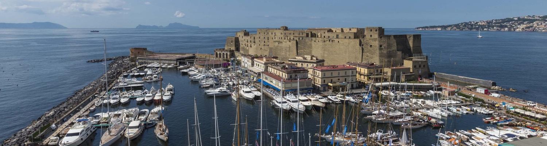 Deux semaines au départ de Naples