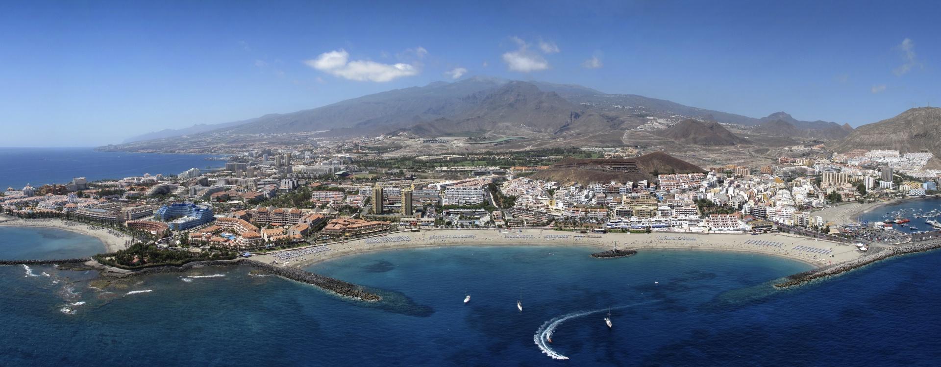 Voguer le long des somptueuses côtes des îles Canaries