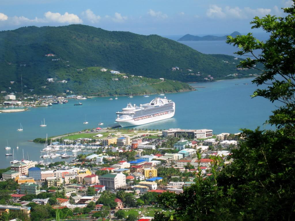 Voguer entre les îles Vierges Britanniques en catamaran